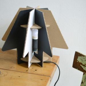 KreARTON_STARSHIP_karton_asztali_lámpa_cardboard_table_lamp0001
