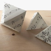KreARTON_geometrikus_dekoracio_karacsony_cardboard_reuse_design0001
